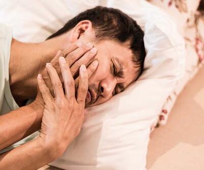 Gecenin bir yarısı diş ağrınız tutarsa ne yapmalısınız?