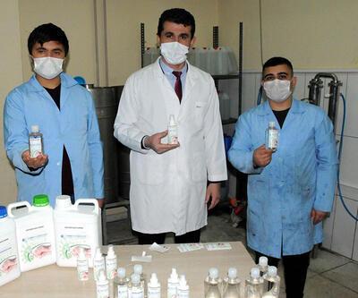 Kimya öğretmeni, bitkisel dezenfektan üretti