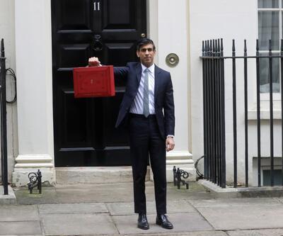 İngiltere 'kırmızı çanta'ya kilitlendi