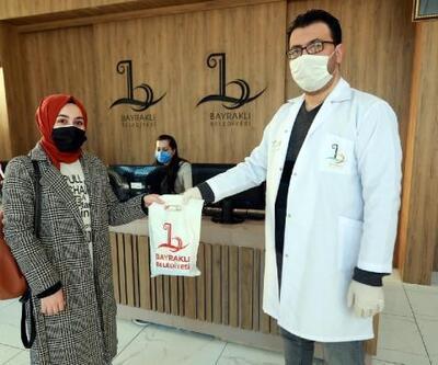 BAYSEM'de öğretmenler, öğrencileri hijyen paketiyle karşıladı