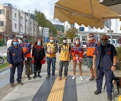 Datça'da broşürlü deprem bilgilendirme etkinliği