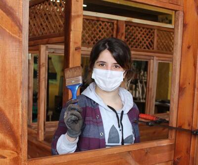 Kuş kafesi yaparak başladı, Sivas'ın tek kadın marangozu oldu