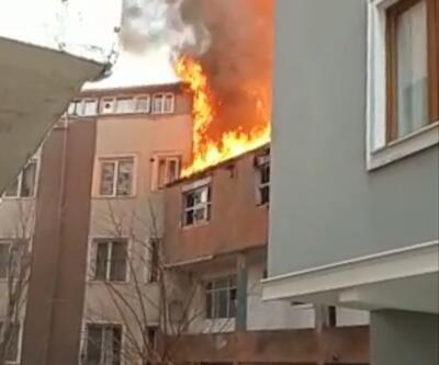 Eyüpsultan'da metruk binada çıkan yangın yan binaya sıçradı, korku dolu anlar yaşandı