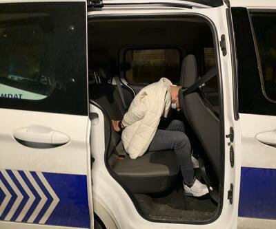 """""""Dur"""" ihtarına uymadılar, polis aracına çarpınca yakalandılar"""