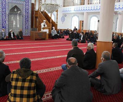 Husumetli iki aile, camide barıştı!