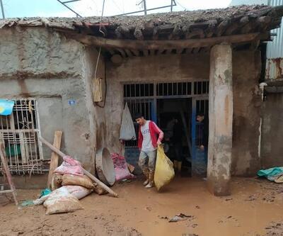 Adıyaman'da dereler taştı evleri su bastı