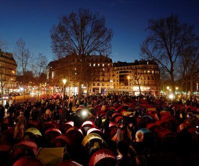 Göçmenler Fransa'da Paris'in göbeğine kamp kurdu