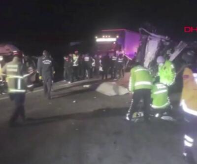 Kamyon otomobil ve ambulansa çarptı, 4 kişi öldü