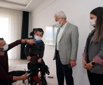 Azad'a medikal cihaz bağışı