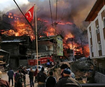 Artvin'de yanan köye yardım seli