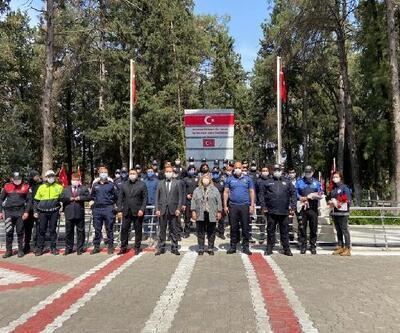 Başkan Erdem, şehit polislerin kabirlerine çiçek bıraktı, Polis Haftası'nı kutladı