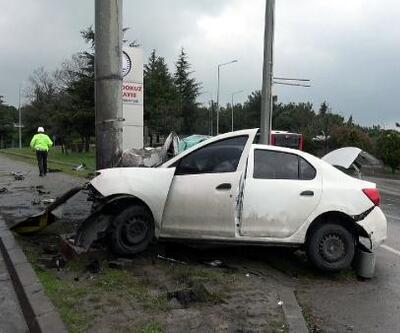 Samsun'da direğe çarpan otomobil sürücüsü ağır yaralandı