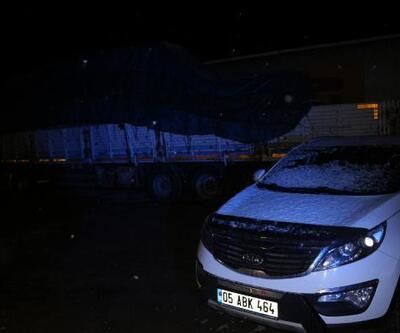 Tokat- Sivas karayolunda ulaşıma 'kar' engeli
