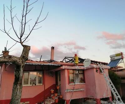 Karacabey'de tek katlı ev yandı