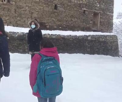 Bahçesaray'da yüz yüze eğitime bir günlük kar tatili