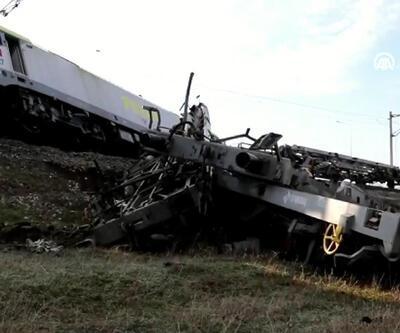 Adana'da 2 yük treni çarpıştı