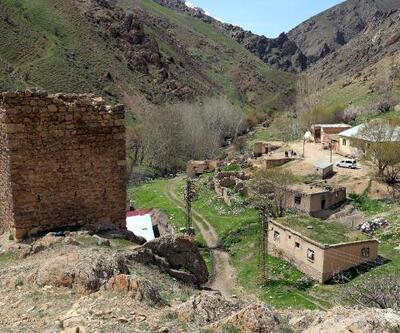'Uğursuzluk' dedikoduları göçe zorladı: Köyde sadece iki aile yaşıyor