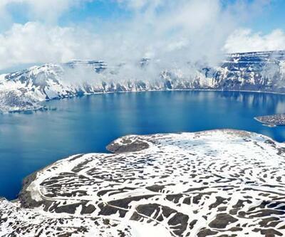 Nemrut Krater Gölü karlı görüntüsüyle de etkileyici! Hayran bırakan manzara