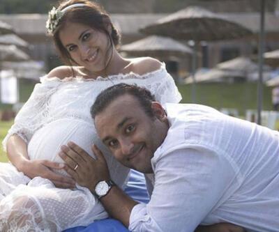 Onur Atilla eşinin ikinci oğullarına hamile olduğunu duyurdu