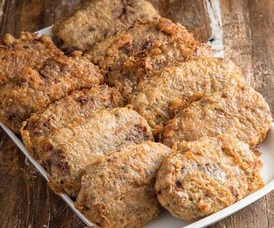 Kadınbudu Köfte, Pastırmalı Kalem Böreği ve Tahin Pekmezli Kek Tarifi