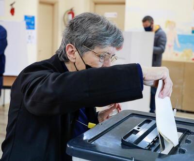 Arnavutluk'ta halk genel seçim için sandık başında