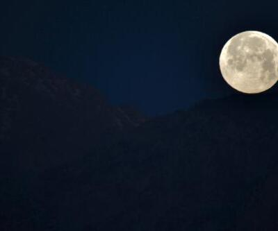 Antalya'da 'Süper Ay' manzarası
