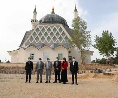 ÇÜ 57. Alay Şehitleri Camii inşaatı, bitme aşamasına geldi
