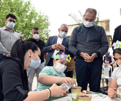 Tarsus'un kırsal mahallelerinde miniklerin yüzü gülüyor