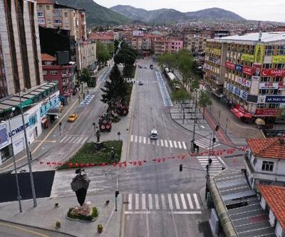 Isparta'da meydanlar ve sokaklar boş kaldı