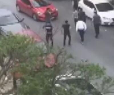 Gaziosmanpaşa'da bıçaklı sopalı kavga kamerada