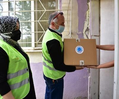 Tuzla'daki ihtiyaç sahibi ailelere 2 milyon 500 bin liralık yardım paketi