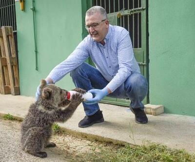 Karacabey Belediye Başkanı Özkan, yavru ayıyı ziyaret etti