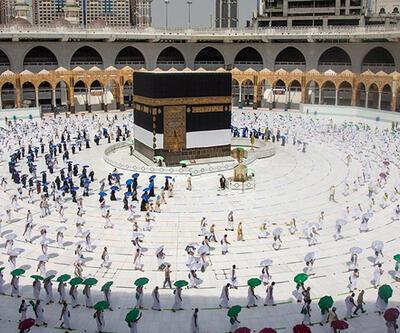 Suudi Arabistan COVID-19 nedeniyle yurt dışından hac ziyaretlerini bu yıl de yasaklamayı düşünüyor