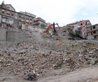 Ankara'da 900 kişinin evsiz kaldığı mahallede 7 bina daha yıkıldı