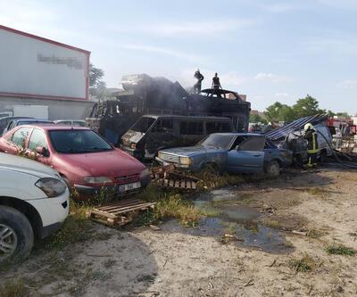 Otoparkta yangın; 9 araç zarar gördü