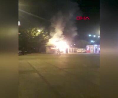 Bakırköy'de halk ekmek büfesi yandı