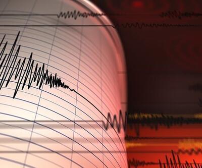 Endonezya'da 6.7 büyüklüğünde deprem