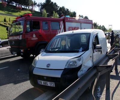 TEM'de otomobil bariyerlere çarptı; sürücüyü itfaiye kurtardı