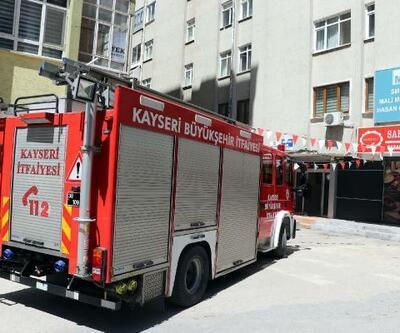 Apartmanda sigara izmariti yangına yangına neden oldu