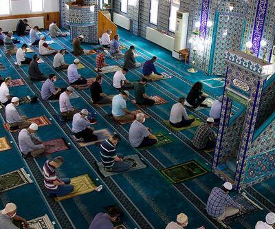 Bugün Cuma namazı camilerde kılınacak mı?
