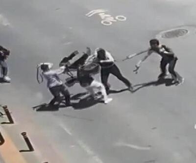 Kemerlerle birbirlerine saldırdılar!