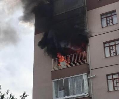 Konya'da ev yangını; itfaiye ekibi dar sokaktan zor geçti