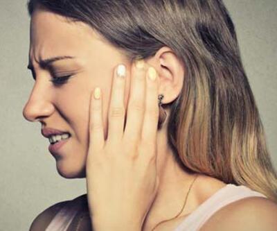 Kulak içi kulaklıklarda iltihap riski; gençler ağrıyla başvuruyor