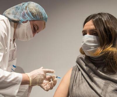 Moskova'da COVID-19'a karşı yapılan aşı kampanyasında araba hediye edilecek