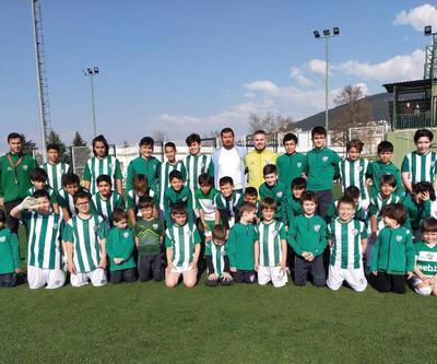 Bursaspor Avrupa'da futbol okulları açıyor