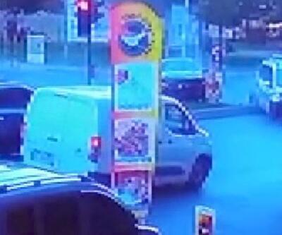Polis aracı ile otomobil çarpıştı