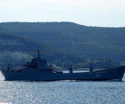 Rus savaş gemisi Karadeniz'e doğru yol aldı