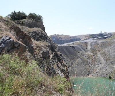 Sultangazi'de korkutan görüntüler: Dev çukurlar tehlike saçıyor