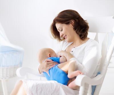 """ABD'de yeni araştırma: """"mRNA aşısı anne sütü üzerinden bebeğe taşınmıyor"""""""