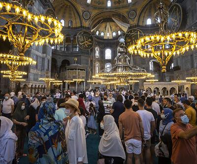 1. yıl dönümünce Ayasofya'ya ziyaretçi akını